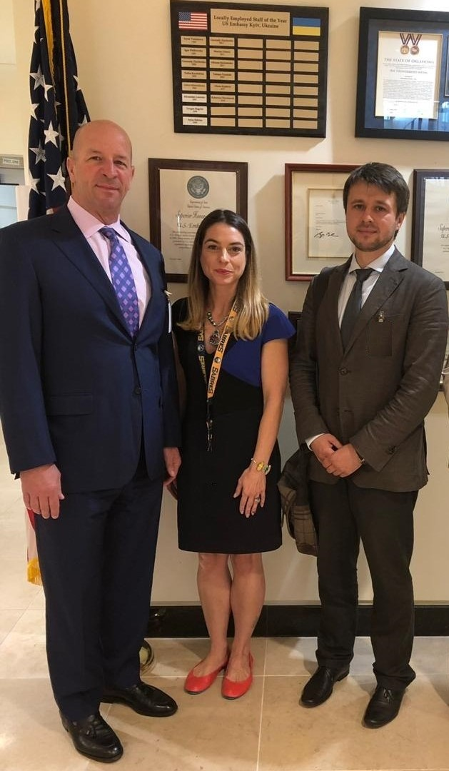 Avellana Gold met with the U.S. Embassy officials